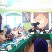 «Круглый стол» в Московской Духовной Академии | МОО «Союз православных женщин»