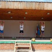 Спортивные состязания по гиревому спорту в г.Сенгилей, в день памяти Георгия Победоносца | МОО «Союз православных женщин»
