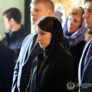 Наместник Высоко-Петровского монастыря игумен Петр (Еремеев) совершил молебен о мире в Украине и заупокойную службу | МОО «Союз православных женщин»