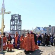 На купол часовни в честь Петра и Февронии Муромских установлен крест | МОО «Союз православных женщин»
